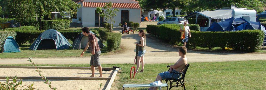 Les jeux en famille au camping VACAF le Val de Vie